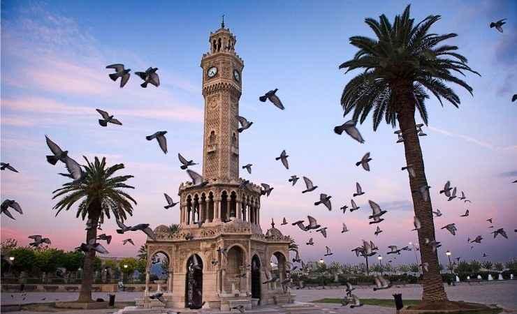 İzmir Üniversite Hayatı
