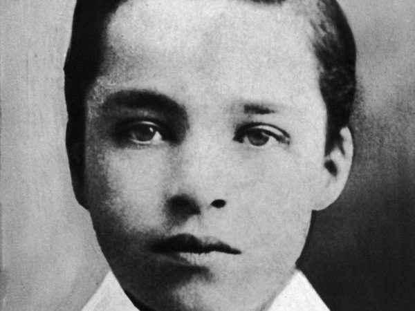 24 Maddede Charlie Chaplin ve Şarlo Efsanesi